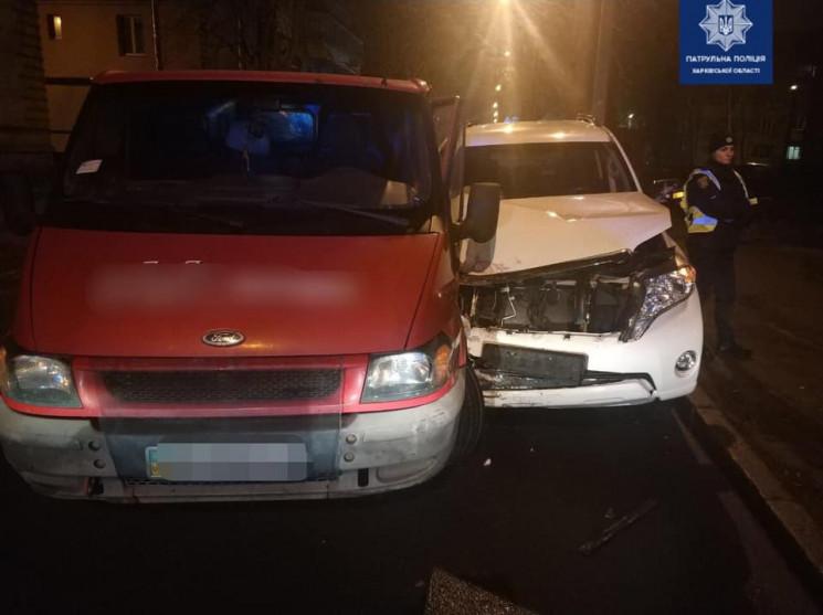 У Харкові врізалися авто: До лікарні дос…