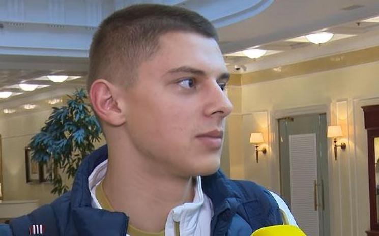 """Футболіст """"Динамо"""" усвідомив, що на ньог…"""