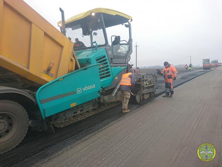 Дорожники Полтавщины ремонтируют трассу…