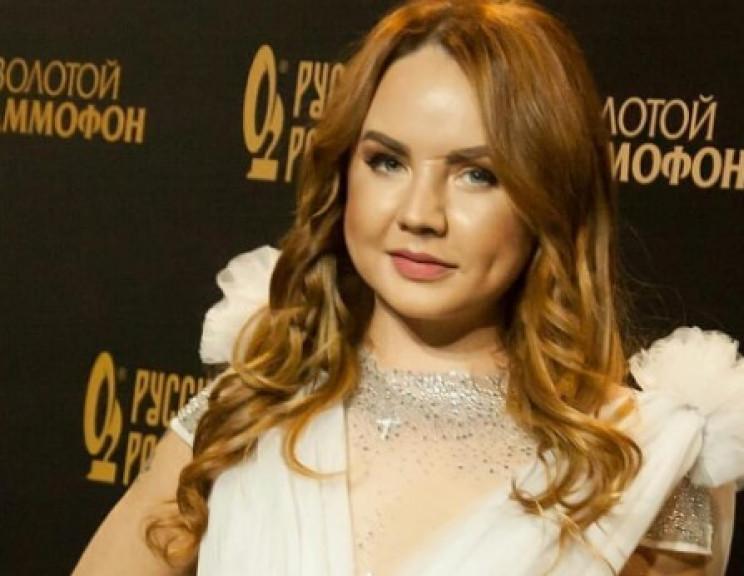 Російська відома співачка налякала опухл…