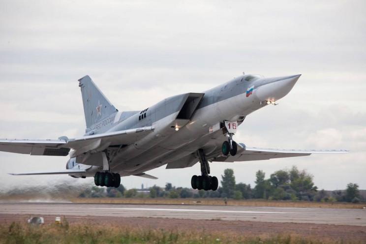 Російські літаки відпрацьовували бомбард…
