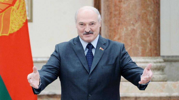 Лукашенко заявив про відсутність військо…
