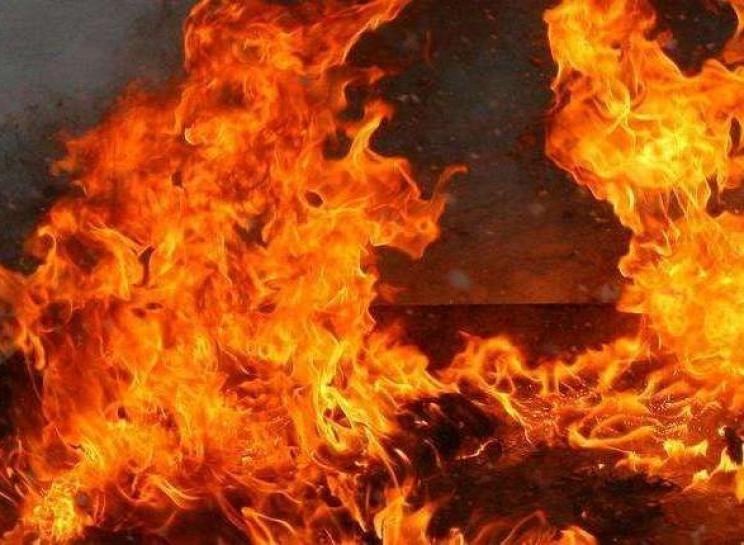 На Ізяславщині загорівся тепловоз…
