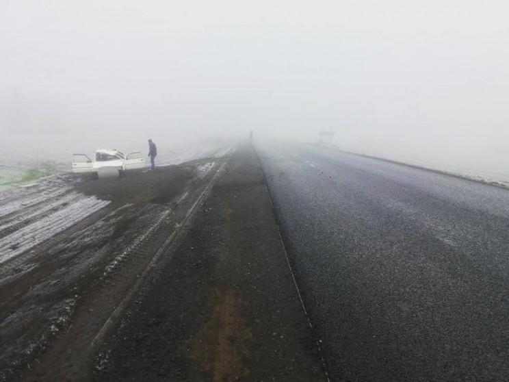 На Харківщині три авто зіткнулися на тра…