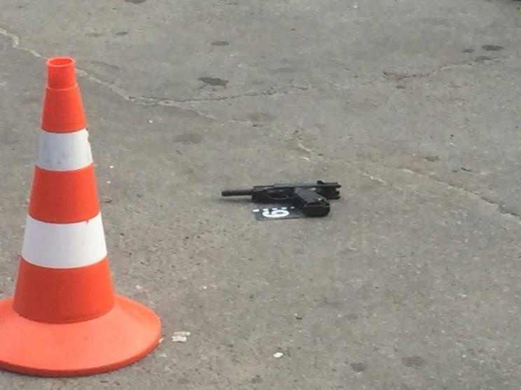 Кривава стрілянина біля супермаркету в Х…