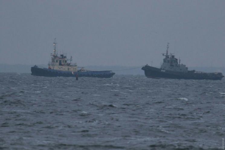 К гавани Очакова уже заплывает второе ос…