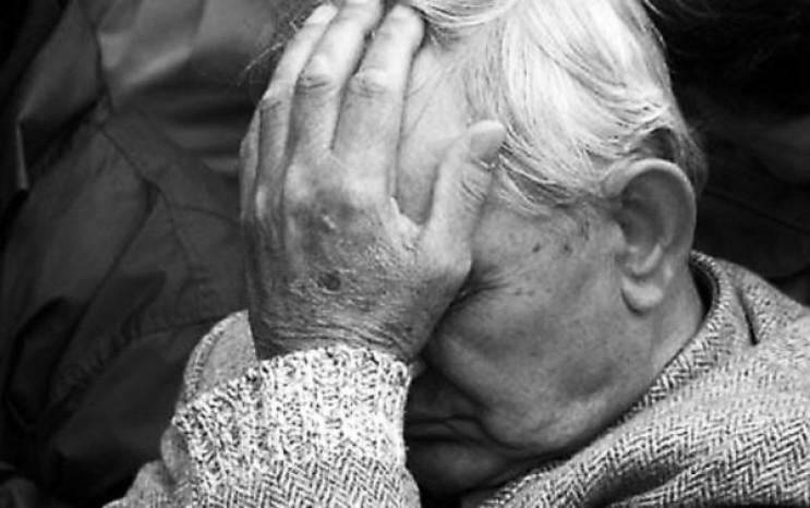 В Киеве 80-летний водитель подшофе разби…