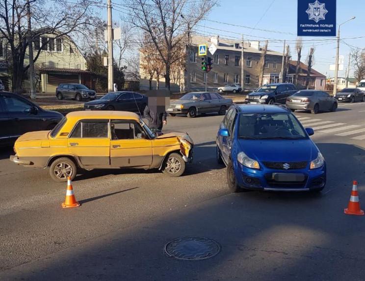 На Клочківській врізалися авто: Є постра…