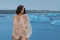 Даша Астаф'єва показала голі груди у про…