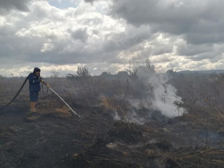 Вогнеборці Хмельниччини гасять загорання…