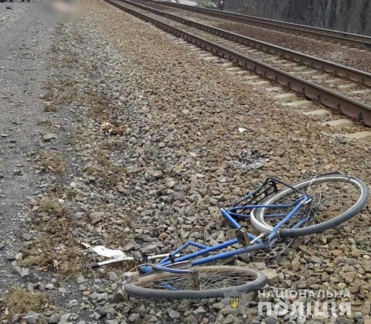 На Харківщині молодий чоловік на велосип…