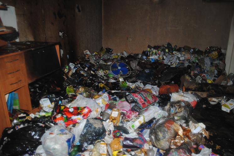 У Миколаєві у переповненій сміттям кварт…