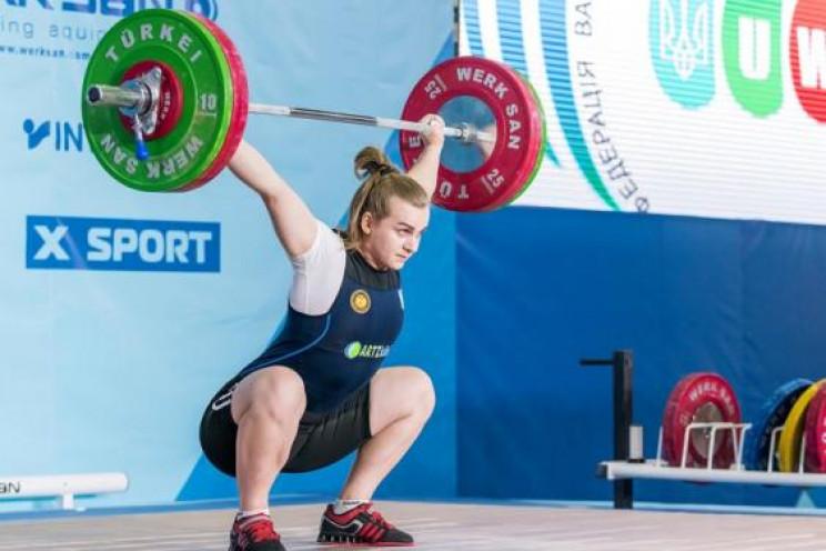 Харківські важкоатлетки встановили 11 ре…