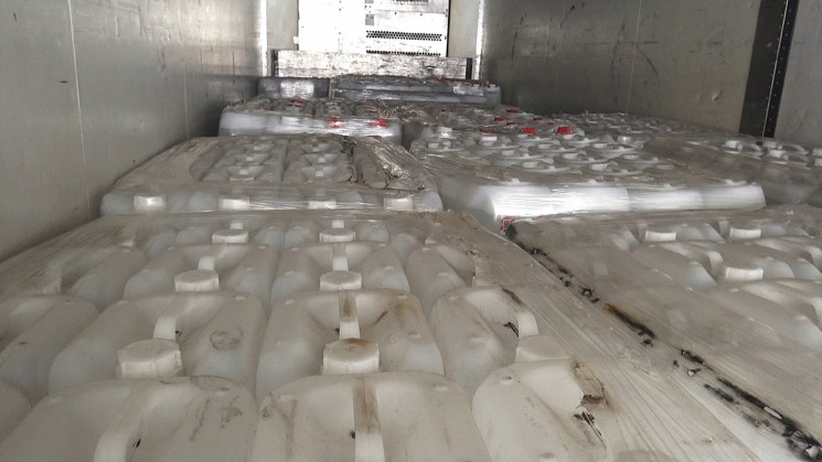 На Кубані затримано п'ять вантажівок зі…