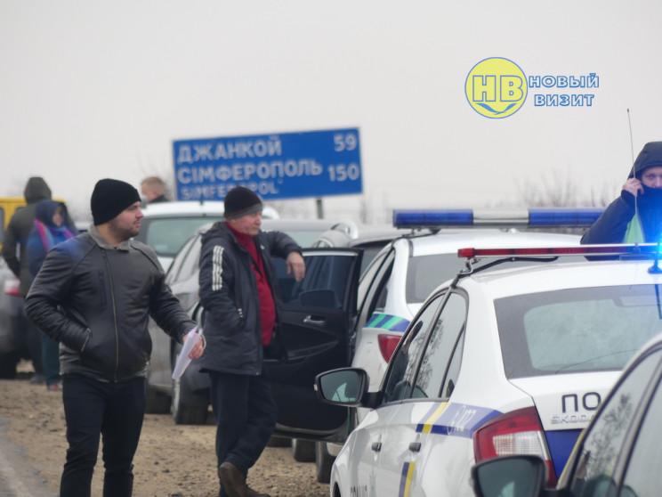 """На межі з анексованим Кримом масово """"пол…"""