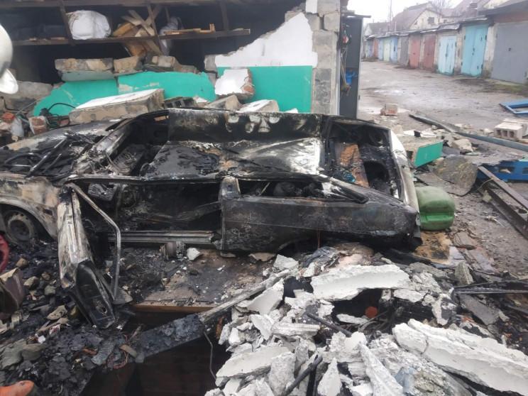Двоє загиблих згоріли в машині: ДСНС про…