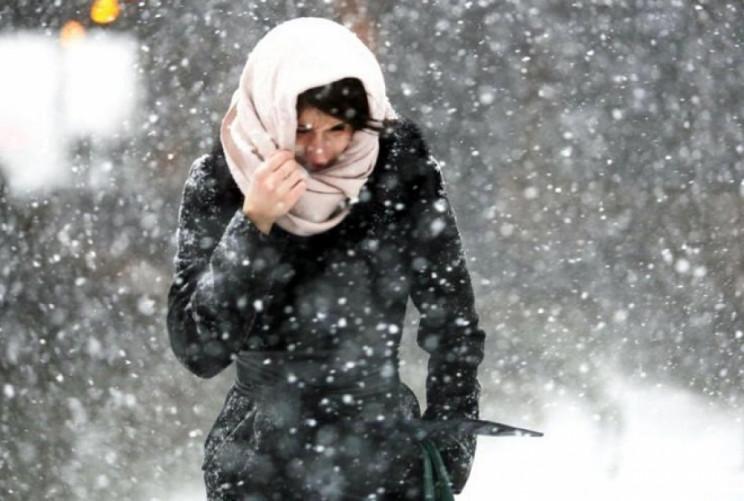 Зимовий дебют: У Києві сніжитиме, вітер…