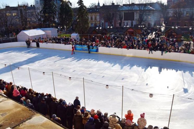 Зимові розваги: У Франківську відкрито к…