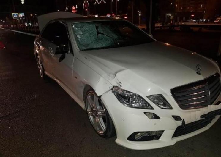 В Краснодаре водитель иномарки сбил двух…