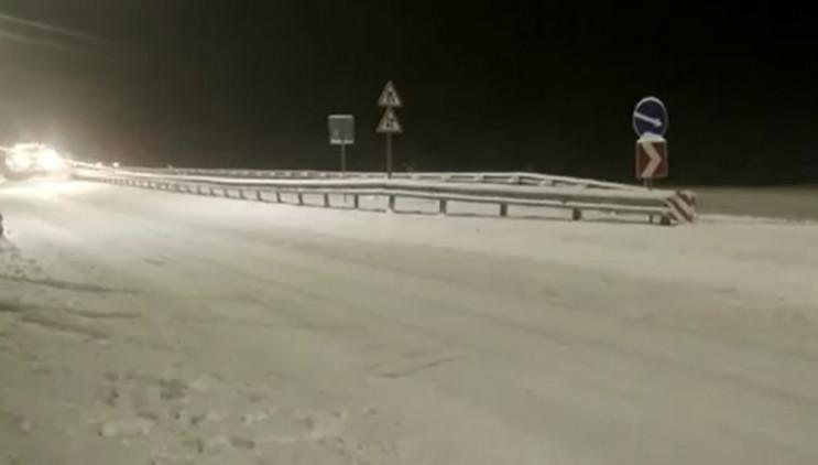 Полтавщину засипає снігом: На траси виси…