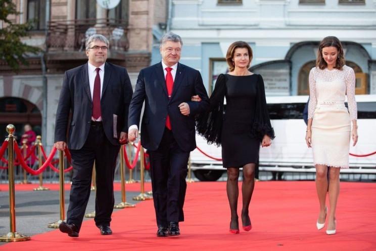 Во Львове Порошенко рассказал, как и поч…