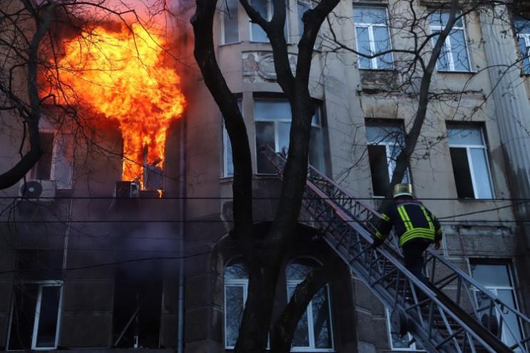 Видео дня: Пожар в центре Одессы, Кива в…