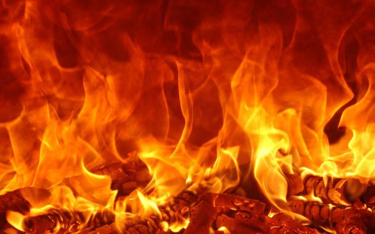 В Киеве вспыхнул пожар: Горят склады…