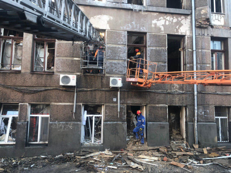 Внаслідок пожежі в одеському коледжі заг…