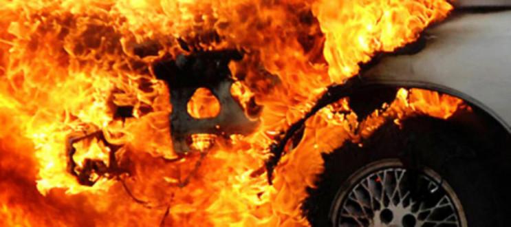 Посеред дня в Сатанові вигоріла легківка…