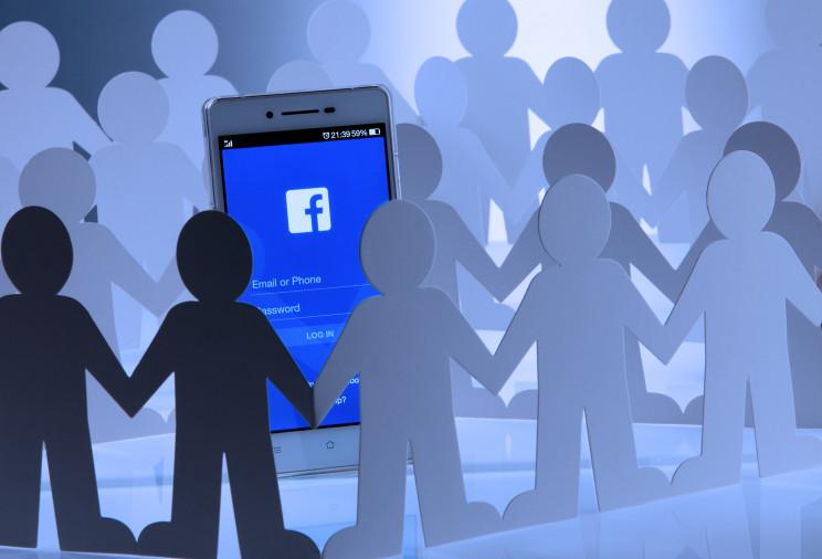 """Как ботофермы и алгоритмы """"Фейсбука"""" лиш…"""