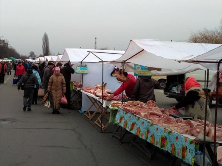 У Києві запрацювали традиційні ярмарки…
