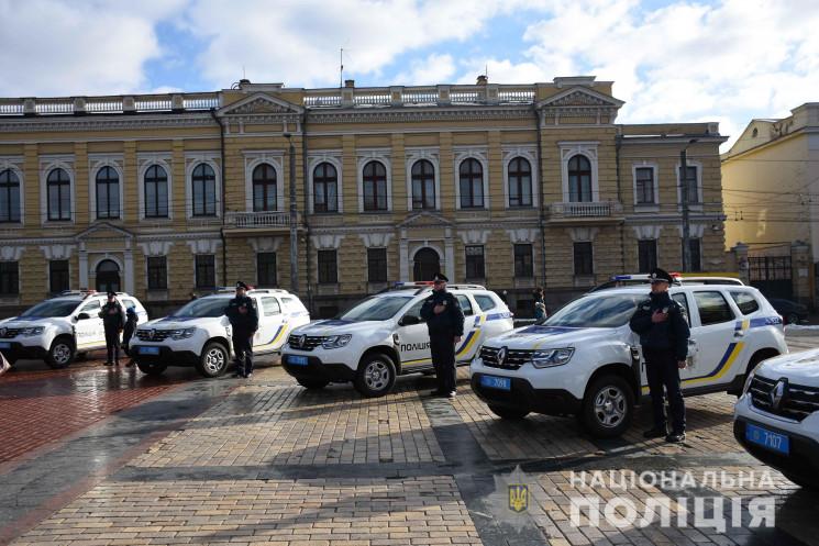 У Кропивницькому вручили нові авто поліц…