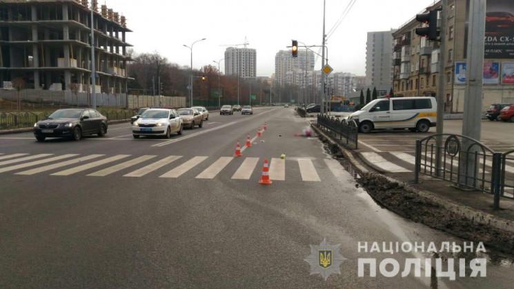 В Харькове водитель сбил женщину на пере…