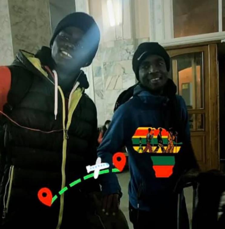 Африканські футболісти, які голодували в…