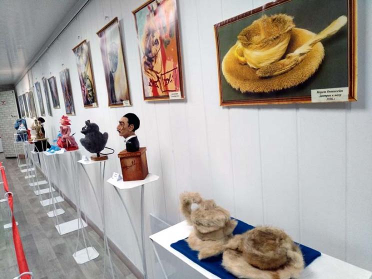 У Запоріжжі відкрилася виставка, де ляль…