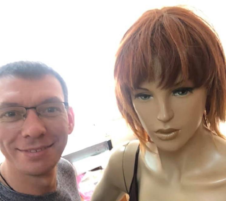 Штучна жінка і Ленін в бандані: З ким да…