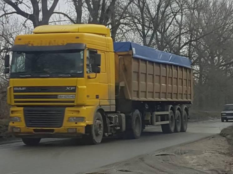 У Дніпрі вантажівкам з гранітного знову…