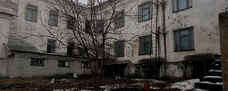 """В """"ЛНР"""" зайнялася школа: Евакуювали близ…"""