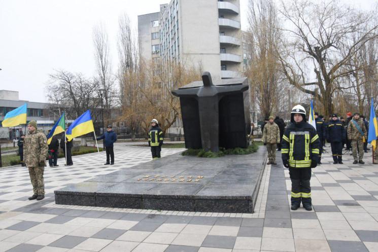 У Кропивницькому біля меморіалу Жертвам…