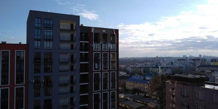 У Львові у квартирі на 9 поверсі вибухну…