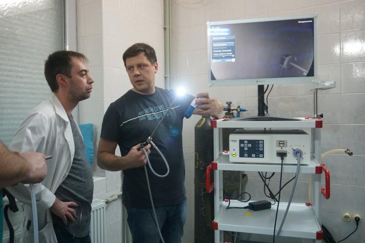 Картинки по запросу Мукачівська центральна районна лікарня отримала сучасну лапароскопічну стійку