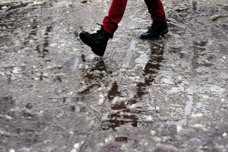 Киян попереджають про слизькі дороги та…