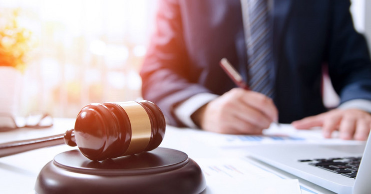 В Харькове суд из-за отказа прокурора за…