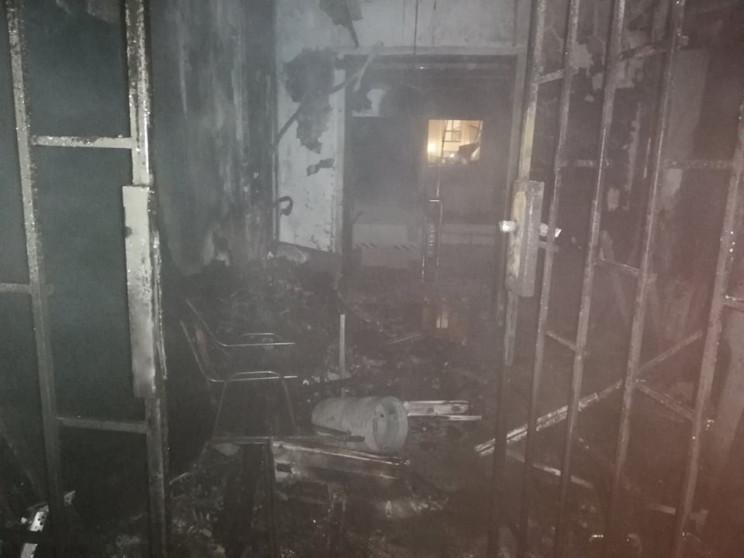 На Великій Арнаутській загорілася будівл…