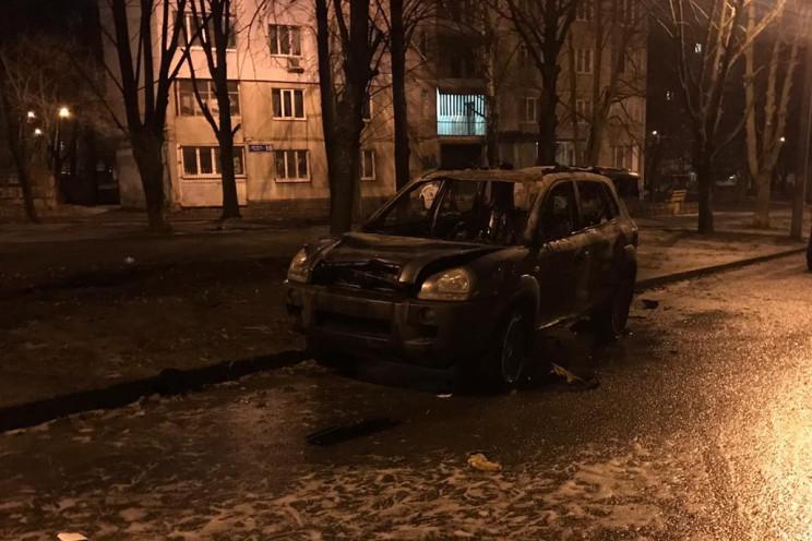 На Салтовке посреди улицы дотла сгорел в…