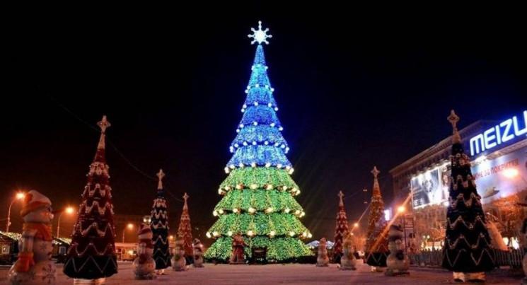 В Харькове на площади Новый год встретил…