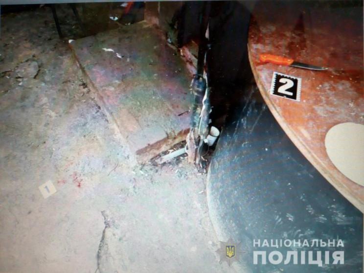 На Харьковщине 24-летняя женщина подреза…