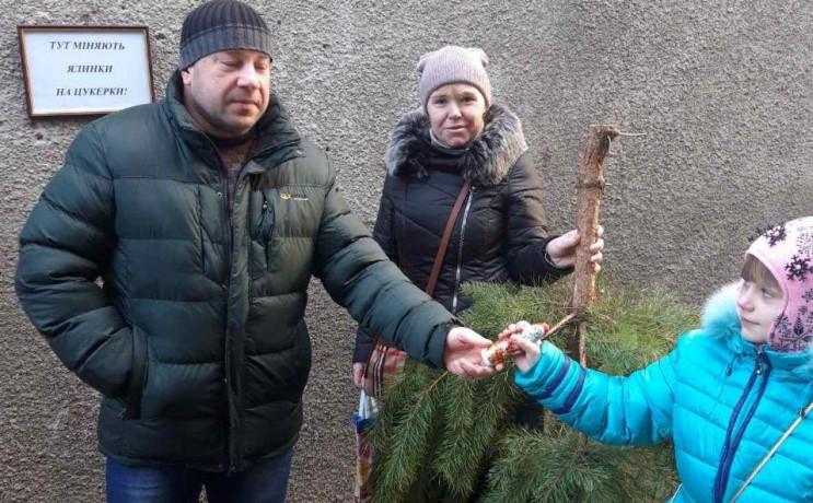 В Одесі новорічні ялинки міняють на соло…