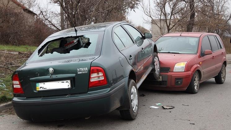 В Днепре автомобиль вылетел с дороги при…
