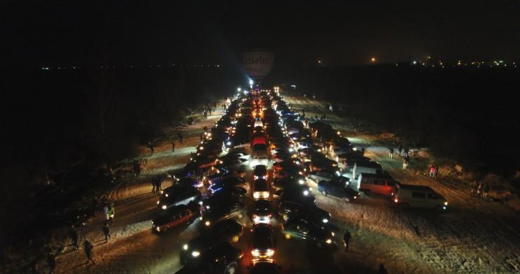 У Кропивницькому дві сотні машин вишикув…